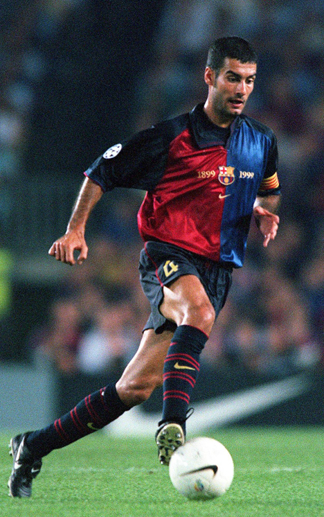 Pep Guardiola 1999 für Barca am Ball.