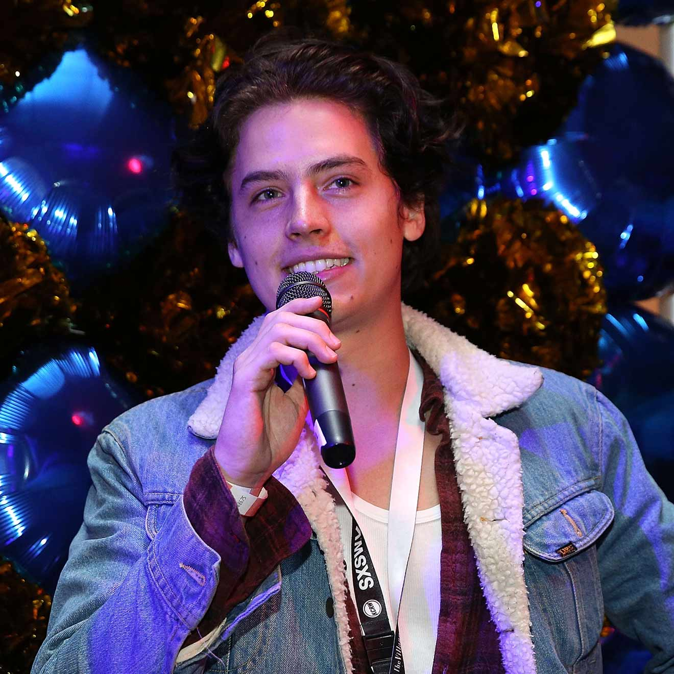 """Riverdale""-Star Cole Sprouse wird Sänger"
