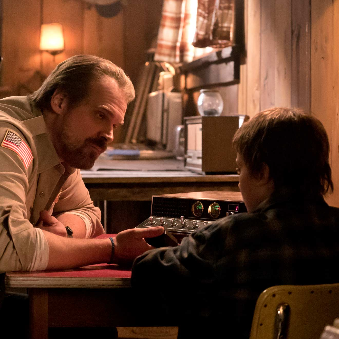 """Stranger Things"" Staffel 4: So geht es mit Chief Hopper weiter"