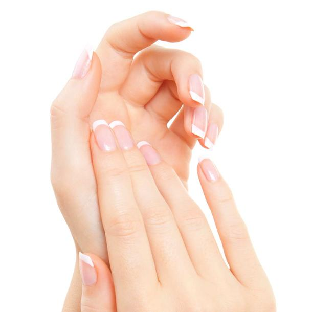 French Nails machen, French Nails machen Schablone, schablone french nails, french nails selber machen, french nails anleitung, beauty tipps, maniküre tipps
