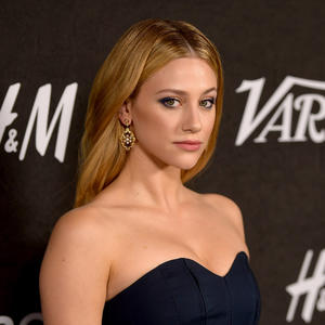 "In ""Riverdale"" spielt Lili Reinhart die Rolle der Betty Cooper"