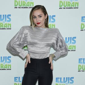 "Miley Cyrus besucht hier die ""The Elvis Duran Z100 Morning Show""."