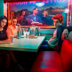 """Riverdale"" Staffel 3: Kommt dieser ""Pretty Little Liars""-Star zur Netflix-Serie?"