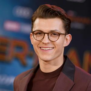 So verwandelt Spiderman-Star Tom Holland peinlich in cool