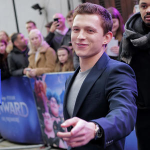 Tom Holland überrascht Fans